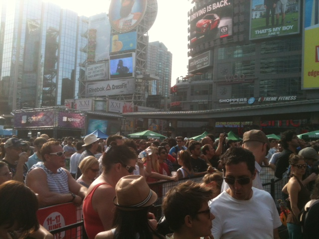 yonge and dundas nxne toronto 2012